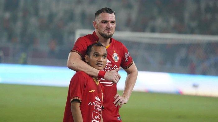 Marko Simic dan Riko Simanjuntak ketika berada di lapangan memperkuat Persija Jakarta