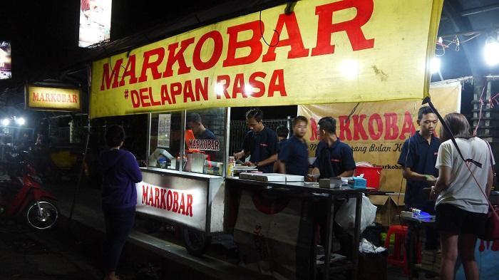 Menyusuri Kota Barat Pusat Kuliner Malam Di Solo Tribunnews Com Mobile
