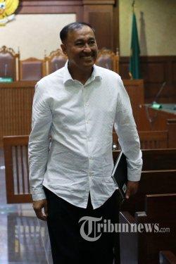 Terdakwa kasus korupsi KTP elektronik Markus Nari menjalani sidang lanjutan dengan agenda pembacaan tuntutan di Pengadilan Tipikor, Jakarta, Senin (28/10/2019). Mantan anggota DPR itu dituntut Jaksa Penuntut Umum KPK sembilan tahun penjara dan denda Rp500 juta subsider enam bulan kurungan serta pencabutan hak politik selama lima tahun karena diyakini menerima uang dari hasil korupsi KTP elektronik dan merintangi penyidikan kasus tersebut. TRIBUNNEWS/IRWAN RISMAWAN