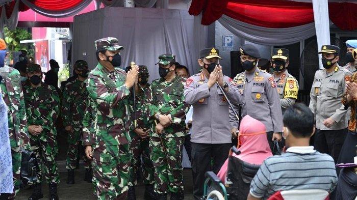 Tinjau Vaksinasi di Surabaya, Panglima TNI Tekankan Pentingnya Protokol Kesehatan Covid-19