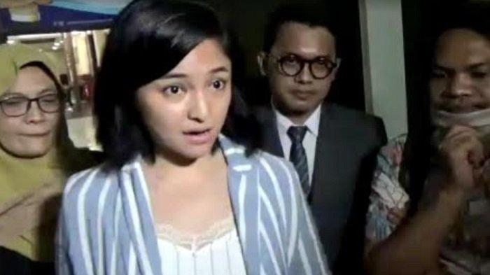 Marshanda di Polres Jakarta Selatan, Kamis (6/8/2020). Ia penuhi panggilan terkait kasus kematian anak Karen Pooroe dan Arya Satria Claproth.