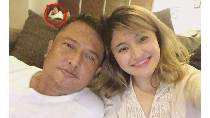Banyak Yang Bertanya Penampakan Di Foto Selfie Mashanda Dan Ayah Tercinta Tribunnews Com Mobile