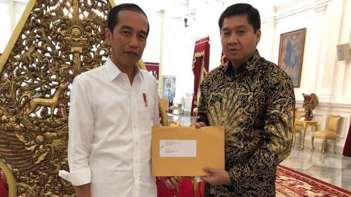 Serahkan Laporan Piala Presiden 2019 ke Jokowi, Maruarar Sirait: Sukses Ini Berkat Kerja Sama Tim