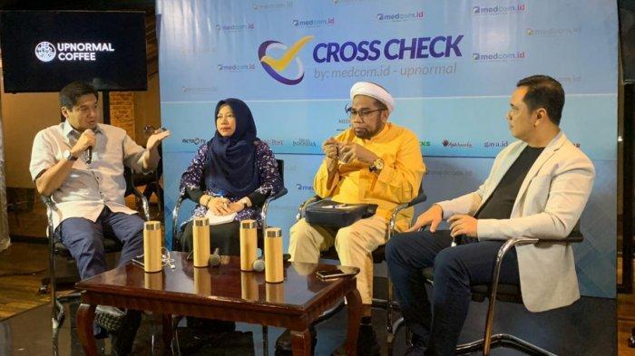 Maruarar  Sirait (kiri) pembicara  dalam sebuah diskusi di kawasan Menteng, Jakarta Pusat pada Minggu (22/12/2019).