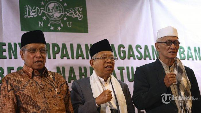 Ketua Umum Pengurus Besar Nahdlatul Ulama (PBNU) KH Said Aqil Siradj (kiri) bersama Mustasyar PBNU KH Ma'ruf Amin (tengah) dan Rais Aam PBNU KH Miftachul Akhyar (kanan).
