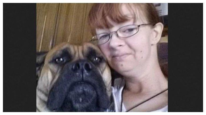 Paksa Dua Anaknya Makan Kotoran Anjing, Perempuan Amerika Dipenjara