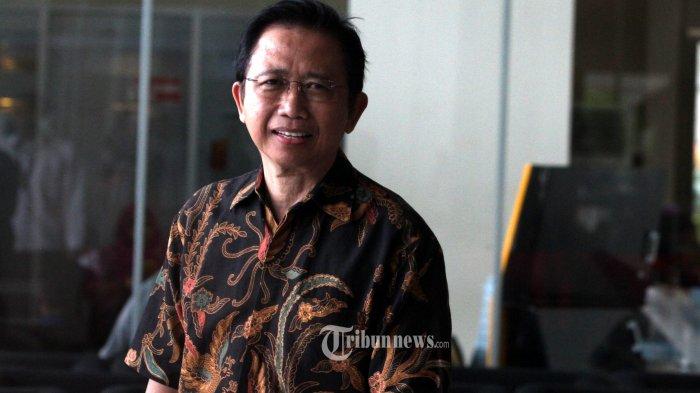 Mantan Ketua DPR Marzuki Alie meninggalkan Gedung KPK usai menjalani pemeriksaan di Jakarta, Senin (8/1/2018). Marzuki Alie diperiksa sebagai saksi terkait kasus korupsi pengadaan KTP Elektronik dengan tersangka Anang Sugiana Sudiharjo. TRIBUNNEWS/IRWAN RISMAWAN