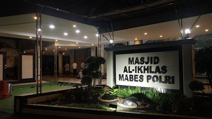 Masjid Al Ikhlas Mabes Polri Gelar Salat Tarawih Perdana di Bulan Ramadhan 2021