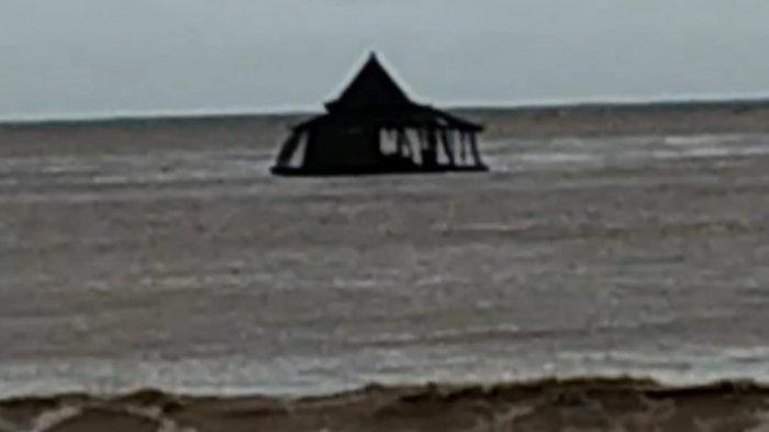 Viral Video Masjid Apung di Pacitan Hanyut hingga ke Lautan, Terbawa Arus Sungai Grindulu