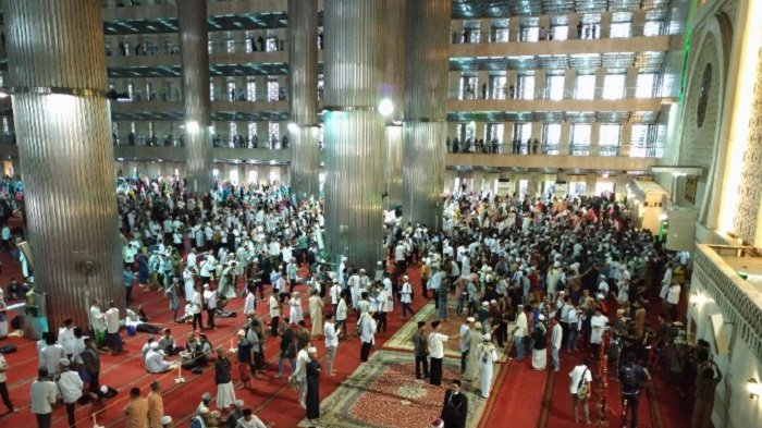 Aa Gym Ceramah di Masjid Istiqlal
