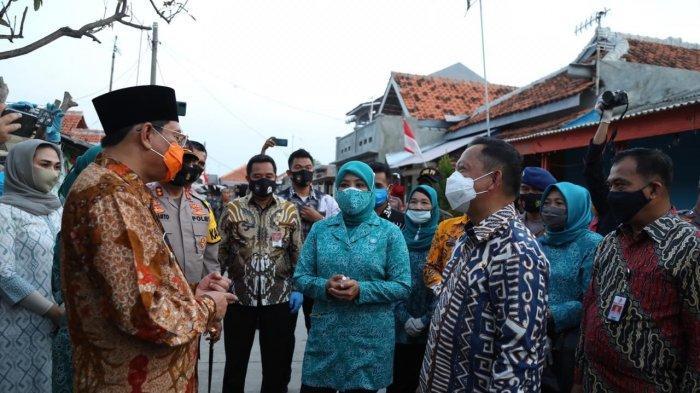 Mendagri Apresiasi Inisiatif Pemkab Indramayu Bagikan 2,5 Juta Masker ke Warga