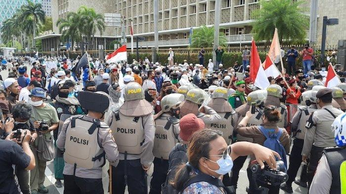 Polisi Minta Massa Aksi 1812 Membubarkan Diri: Jakarta Angka Covid Masih Tinggi