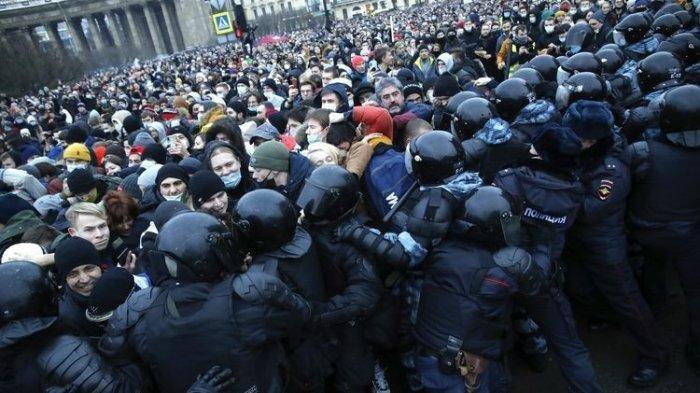 Ribuan Pendukung Oposisi Rusia Tuntut pembebasan Alexei Navalny