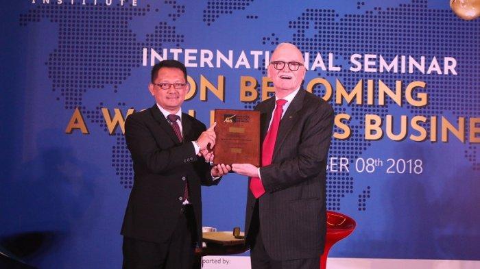 Armala Jadi Orang Pertama Indonesia Peraih Gelar Master of Productivity Specialist dari APS
