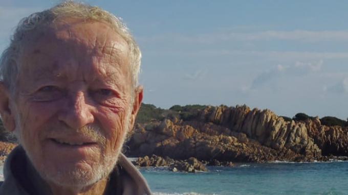 Mauro Morandi, penjaga pulau terpencil Budelli di lepas pantai.