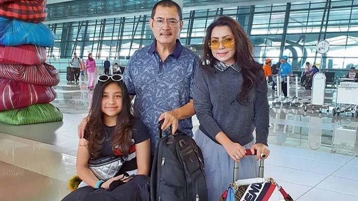 Mayangsari, Bambang Trihatmodjo dan Khirani saat liburan ke Amerika Serikat