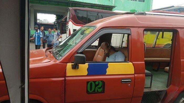 Pria Paruh Baya Meninggal dalam Angkot di Bekasi