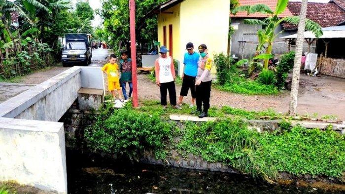 Mayat Bayi Laki-Laki Ditemukan Terapung di Mojokerto, Diduga Meninggal karena Ditenggelamkan