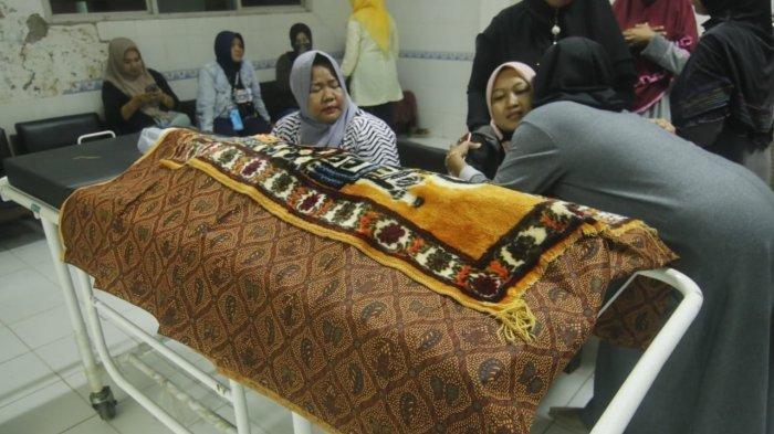 Ibunda Balita Tanpa Kepala Anggap Kematian Sang Putra Janggal, Pengacara Soroti Kaus Dalam Korban