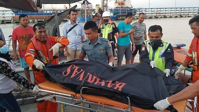 Jenazah Perempuan Korban Kapal Karam Teridentifikasi Sebagai Aziza, 9 Korban Lainnya Masih Dicari