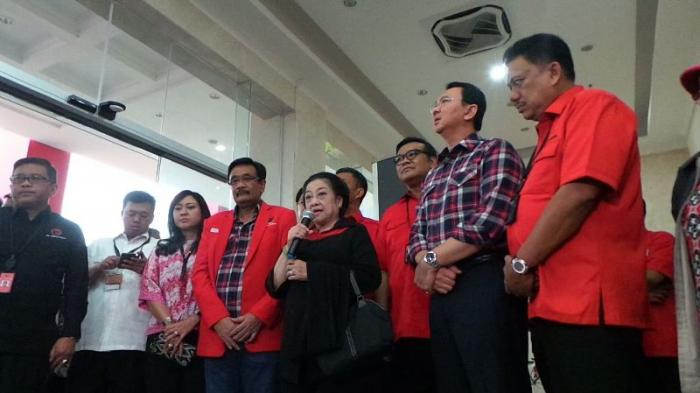 Megawati bersama Ahok dan Djarot