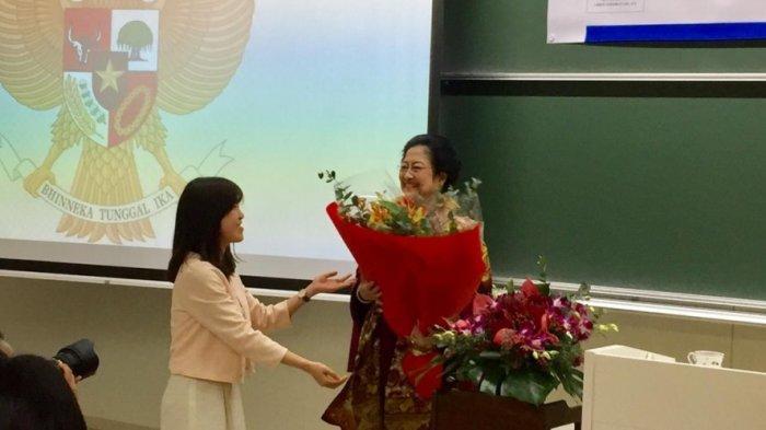 Soekarno Punya 26 Gelar Doctor Honoris Causa, Megawati: Saya Baru Punya 9