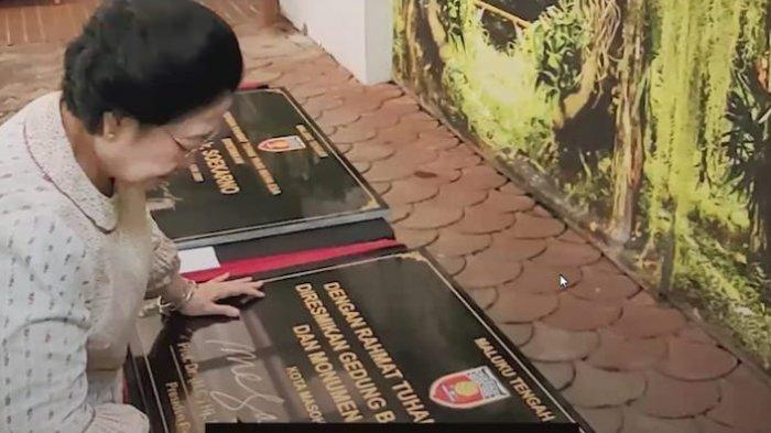 Megawati Resmikan Baileo, Monumen, dan Nama Jalan Ir Soekarno di Maluku Tengah