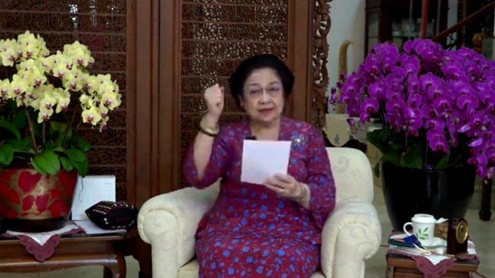 Megawati Cerita Saat Bung Karno Cari Kuda Jinak untuk Latihan Pimpin Upacara HUT Angkatan Perang
