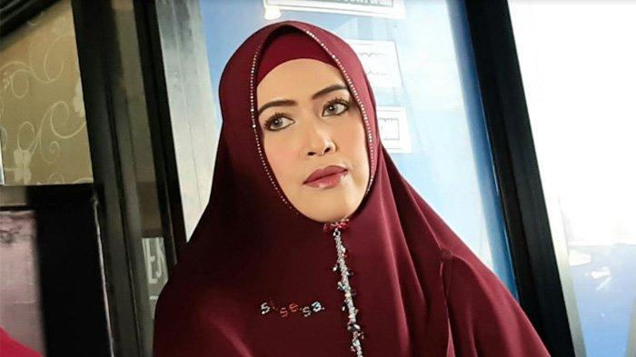 Meggy Wulandari dalam jumpa pers putusan cerai dengan Kiwil, di kawasan Jagakarsa, Jakarta Selatan, Senin (17/8/2020).