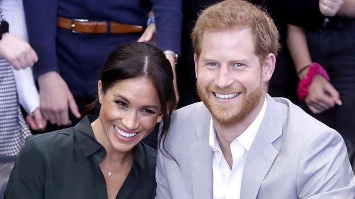 Meghan Markle dan Pangeran Harry akan mengembalikan dana publik sekitar Rp 42 miliar yang digunakan untuk memperbaiki Frogmore Cottage. Tak hanya itu, keduanya juga tak akan menggunakan gelar kerajaan setelah resmi mundur sebagai bangsawan senior.