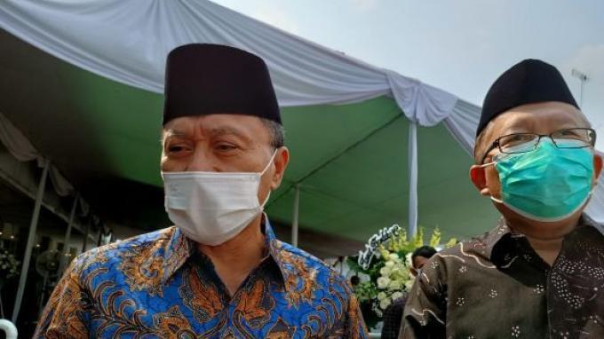 Melayat ke Rumah Duka Sentosa, Wakil Ketua MPR: Semoga Pak Laoly dan Keluarga Tetap Tabah