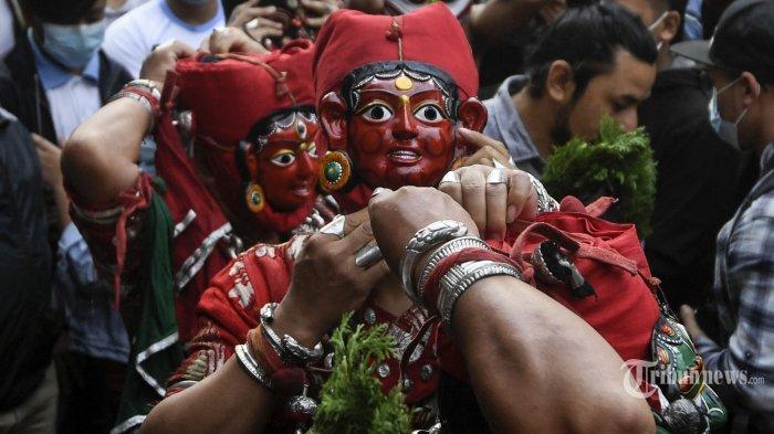 Berita Foto : Melihat Festival Indra Jatra Di Nepal - melihat-festival-indra-jatra-di-nepal_20210918_173910.jpg