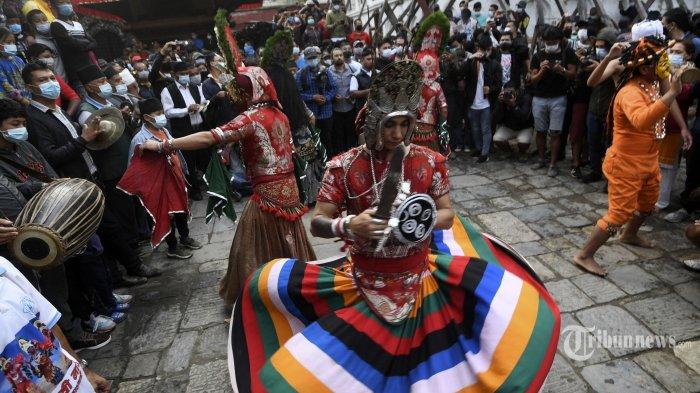 Berita Foto : Melihat Festival Indra Jatra Di Nepal - melihat-festival-indra-jatra-di-nepal_20210918_174257.jpg