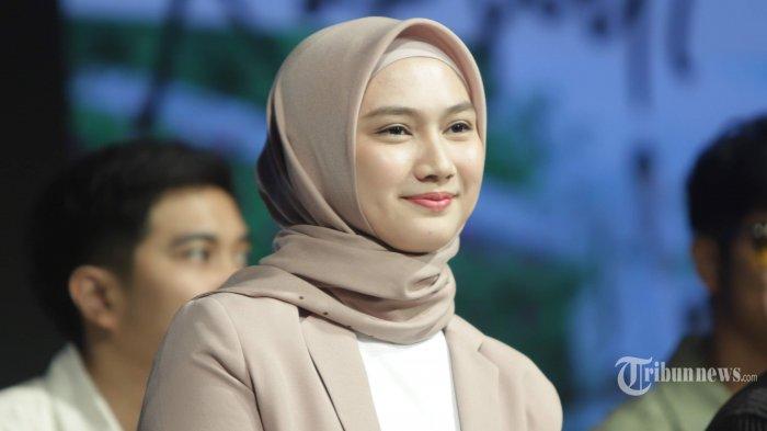 Melody Nurramdhani Laksani ditemui saat acara peluncuran single original JKT48 berjudul Rapsodi, di JKT48 Theater, Jakarta Pusat, Rabu (22/1/2020). Mantan anggota JKT48 tersebut saat ini menjadi General Manager JKT48. Tribunnews/Herudin
