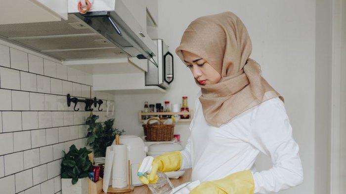 Dapur Kotor setelah Memasak Hidangan Idul Adha? Bersihkan dengan Cara Ini