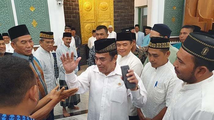 Menag Fachrul Razi seusai berceramah di Masjid Raya Baiturrahman Banda Aceh, Minggu (17/11/2019).