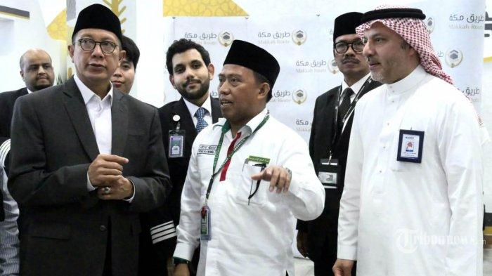 Amirul Haji Republik Indonesia, Lukman Hakim Saifuddin (kiri), tiba di Bandara King Abdul Aziz Jeddah, Selasa (30/7/2019). Lukman Hakim yang juga Menteri Agama langsung mengunjungi Jamaah Haji Indonesia begitu tiba di Bandara Jeddah. TRIBUNNEWS/HO/DARMAWAN/MCH2019