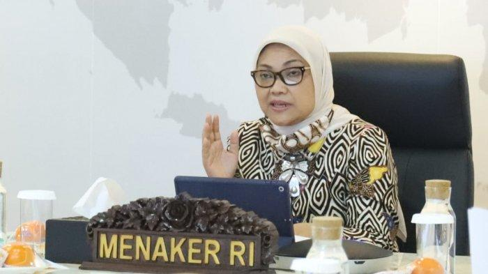 Menaker Ida Fauziyah saat melakukan rapat kordinasi bidang ketenagakerjaan dengan Kadisnaker tingkat Provinsi se-Indonesia secara virtual di Jakarta, Senin (3/8/2020).
