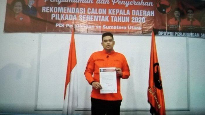 Menantu Presiden Joko Widodo (Jokowi), Bobby Nasution memegang surat rekomendasi dari PDIP sebagai calon wali kota Medan pada Pilkada 2020.