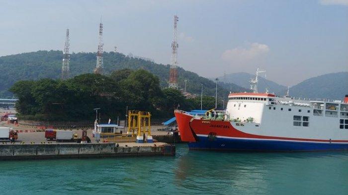 ASDP Merak Seberangkan 29.975 Mobil Pribadi ke Sumatera