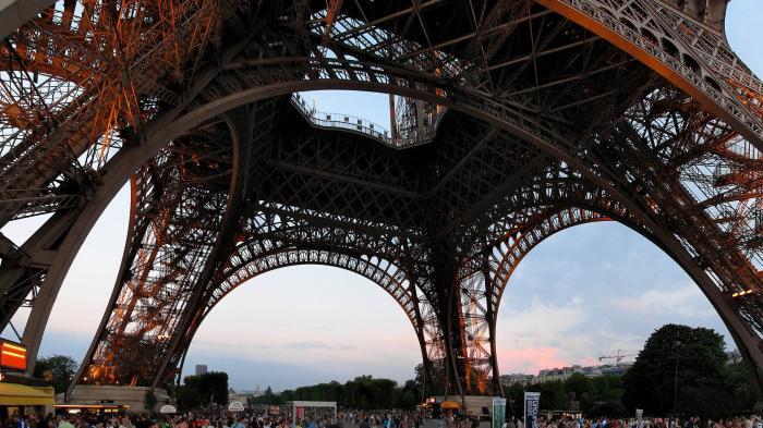 Prancis Masuki Lockdown Nasional Ketiga di Tengah Lonjakan Kasus Covid-19