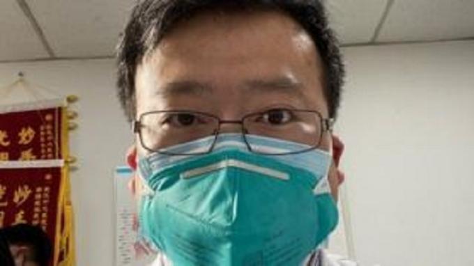 Mendiang dokter Li Wenliang (34 tahun)