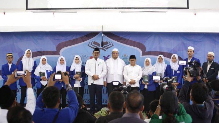 Ribuan Mahasiswa Khataman Alquran Bersama Nusantara Mengaji