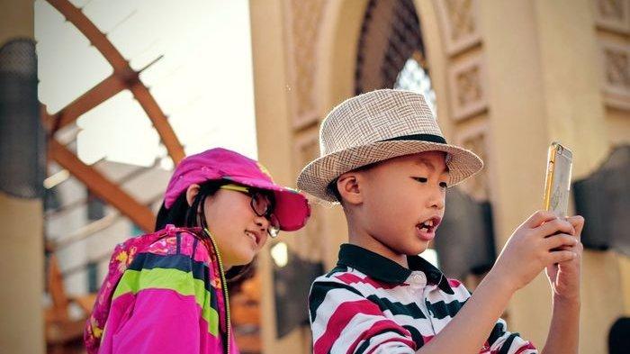 Jangan Biarkan Anak-anak Gunakan Smartphone dalam Waktu Lama, Ini Dampaknya