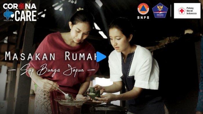 Mengintip Dapur Keluarga Happy Salma di Bali, Masak Sup Bunga Jepun Khas Gung Niang