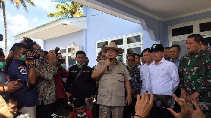 Menteri Pertahanan Prabowo Subianto dalam jumpa pers di Lanud Raden Sajad, Natuna, Rabu (05/02/2020)