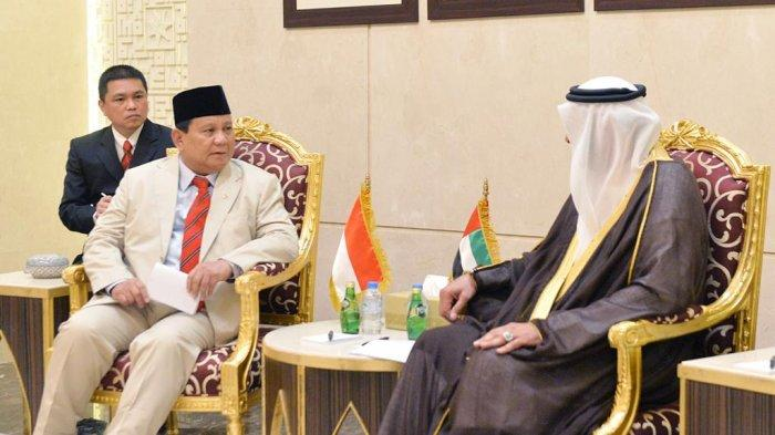 Menteri Pertahanan RI H. Prabowo Subianto dan Menhan Uni Emirat Arab (UAE) Mohammed Ahmed Al Bowardi melakukan pembicaraan bilateral kerjasama pertahanan di kantor Kemhan UAE, Senin (24/2/2020).
