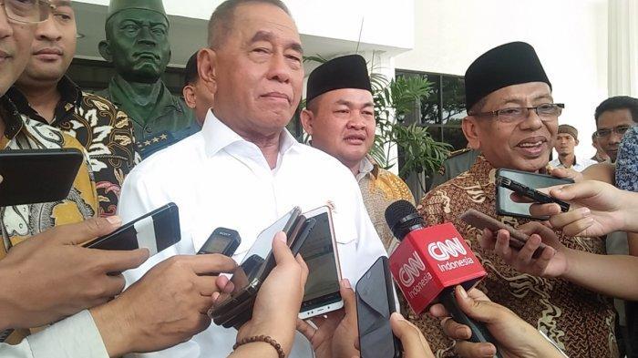 Menteri Pertahanan RI Jenderal TNI (Purn) Ryamizard Ryacudu di kantor Kemenhan RI di Jakarta, Selasa (9/7/2019).
