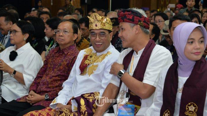 Menteri Perhubungan Budi Karya Sumadi bersama Gubernur Jawa Tengah Ganjar Pranowo menghadiri Musyawarah Nasional (Munas) Keluarga Alumni Universitas Gajah Mada (Kagama) ke-13 di Bali, pada Jumat malam (15/11/2019).