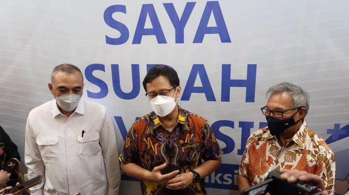 Tinjau Vaksinasi Lansia di Mal Ciputra Tangerang, Menkes: Bisa Bantu Pemulihan Ekonomi